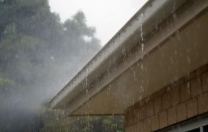 Read more about the article With Florida Weather, What is Better: Roof Replacement or Extensive Roof Repair?